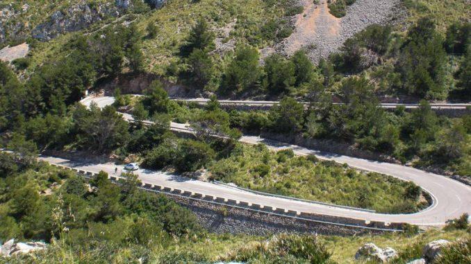 Serpentinen in der Nähe des Cap Formentor, Mallorca