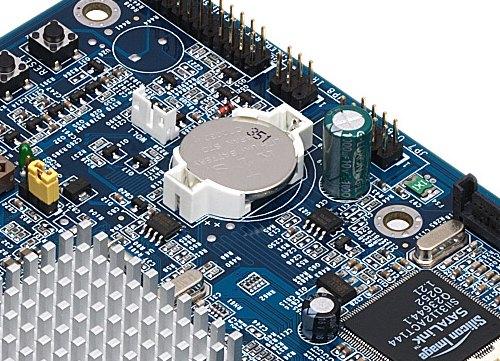 Die BIOS Batterie sitzt manchmal senkrecht oder waagrerecht auf dem Mainboard und ist einfach auszutauschen