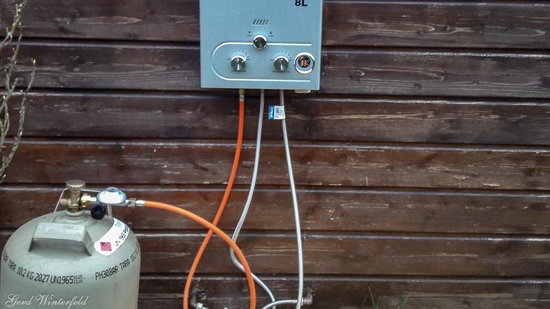 Gas Durchlauferhitzer im Einsatz und Anschlüsse