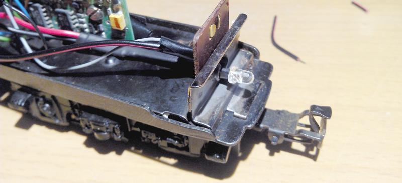 Lockbeleuchtung per LED bei einer Steckfassung
