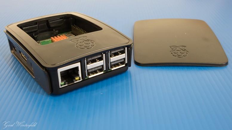 Schwarzes Kuststoffgehäuse für den Raspberry PI